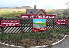 http://www.settle-carlisle.co.uk/wp-content/uploads/2015/03/HortoninRibblesheadTrainStation.jpg