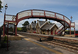 https://www.settle-carlisle.co.uk/wp-content/uploads/2015/03/KirkbyStephenTrainStation.jpg