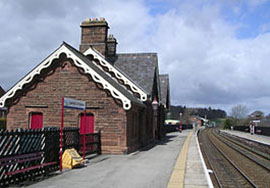 https://www.settle-carlisle.co.uk/wp-content/uploads/2015/03/LazonbyTrainStation.jpg